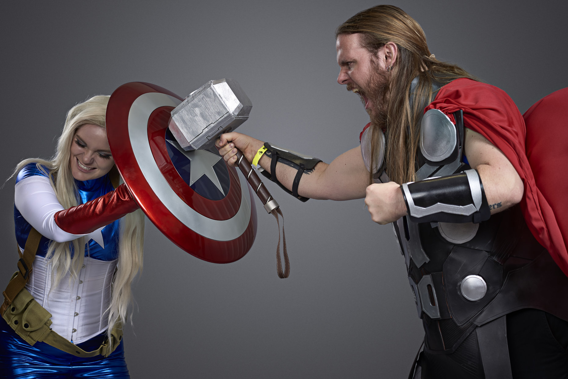 marvel-captain-america-thor-cosplayers